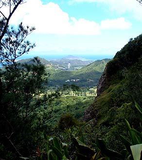 Nuuanu Oahu Footprints Guardian Stones Of Nuuanu Pali